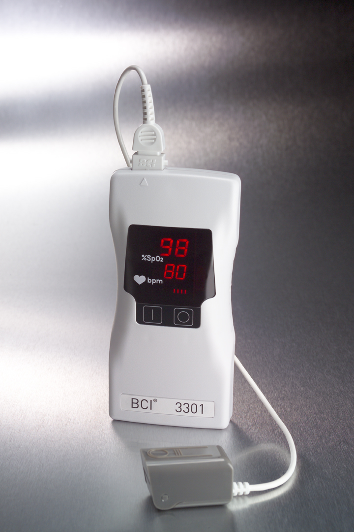3301 Hand-held Pulse Oximeter with Adult Sensor Probe